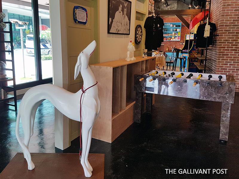 Pat the ceramic Dog in Central Perk