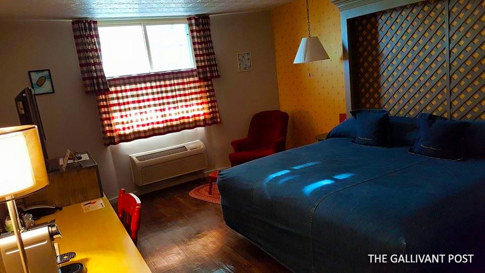 Farmer's-Daughter_bedroom